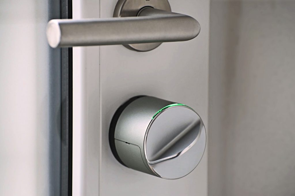 Danalock v3 smart lock | Danalock v3 slim slot